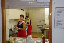 zwei Küchenfeen