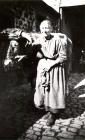 Margarete Weck mit dem Ochsen