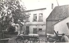 Altes Schulhaus mit Scheune und Stall
