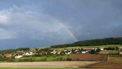 Bärweiler unter Regenbogen